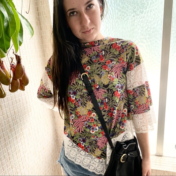 Vintage 1970/'s Black White and Red Floral Polyester Blouse